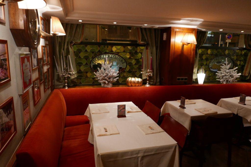 Brasserie l on de lyon restaurant lyon chez l on tout - Restaurant tout le monde a table lyon ...