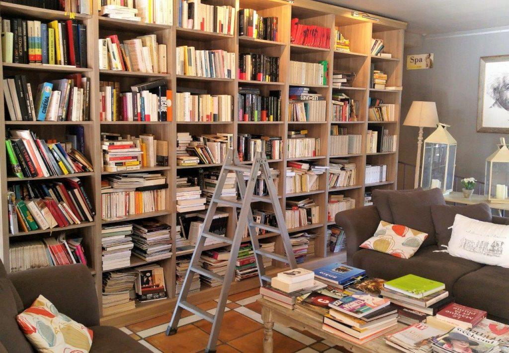 Mougins : une auberge lunaire, gourmande et littéraire