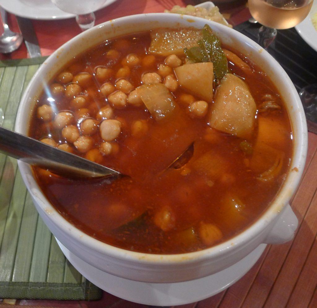Paris 12e: chez Hocine, le couscous est comme là-bas !