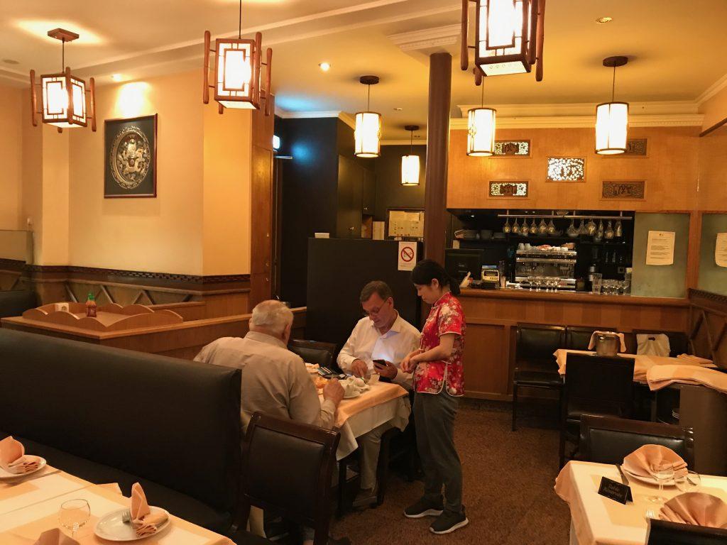 la nouvelle fontaine d 39 or restaurant paris 16e un chinois trop discret restaurants. Black Bedroom Furniture Sets. Home Design Ideas