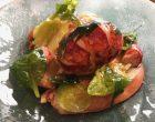 Homard entier, jus de tête, menthe, coriandre, salade de verdure © GP