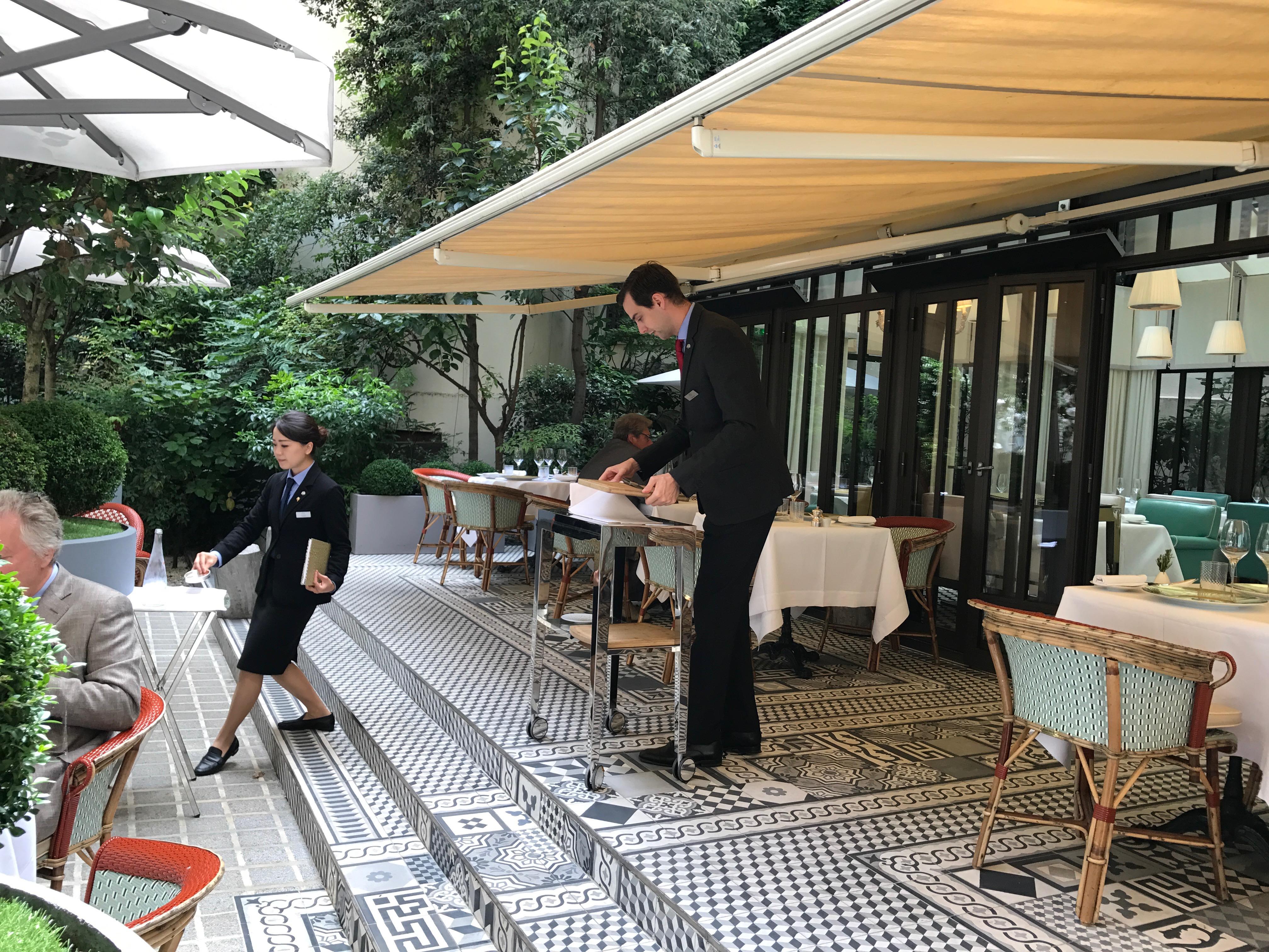 Il carpaccio au royal monceau restaurant italien paris 8e en terrasse au carpaccio restaurants - Restaurant en terrasse paris ...