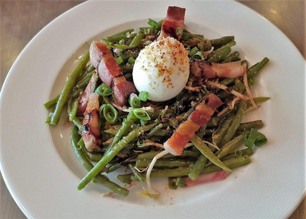 Le zinc restaurant antibes philippe et son zinc for Vers des salades