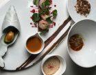 Petit épeautre: raviole béchamel gambas, crumble vinaigrette au jus de carcasse, risotto au lait d'amande, bisque ©GP