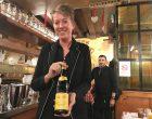 Le service du vin © GP