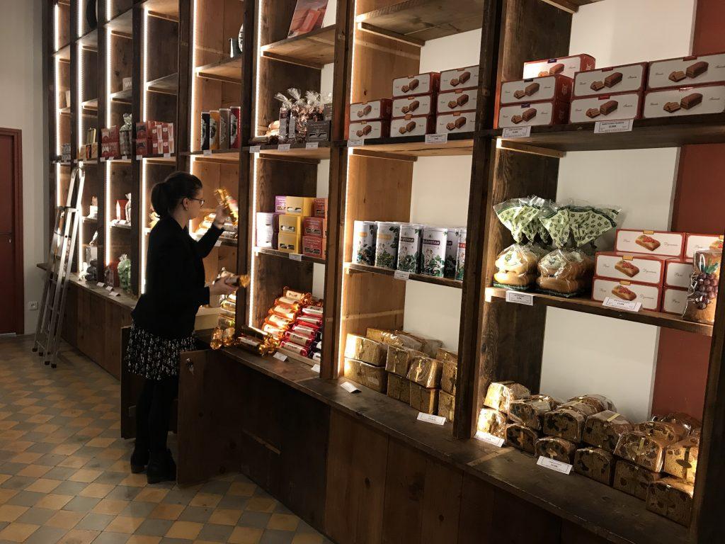 La Fabrique de Pain d Epices Mulot   Petitjean, pâtisserie Dijon - le musée  du Pain d Epices   Le blog de Gilles Pudlowski - Les Pieds dans le Plat f83eedcb5cb