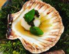 Saint-Jacques, caviar, consommé de barbes et topinambours ©GP