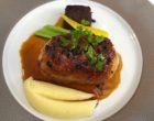 Pied de cochon farciu au foie gras et purée de pommes de terre © GP