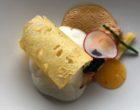 Langoustine oursin espuma de riz déclinaison d'ananas et caviar végétal ©GP