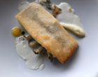 Fera du lac Léman en fine croûte de pain crosnes au jus et lait de chèvre au citron ©GP