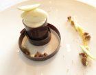 Autour de la poire: coeur coulant au praliné de pecan, crémeux à la vanille et fève de tonka, sorbet william ©GP