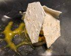La mangue et le citron vert: tout en fraîcheur, la brunoise de fruits exotiques surmontée d'un sorbet mangue/citron vert et noix de coco © GP