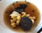Gnocchi de racines et truffes, consommé © GP