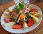 Assiette niçoise au thon grillé ©AA