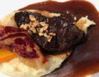 Joue de bœuf au vin rouge et purée de pommes de terre © GP