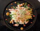Asperges, sauce cocktail et crevettes sauvages ©GP