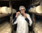Quand Delphine Carles veille sur ses pains de roquefort © GP