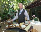 Stephane Soulié au service des fromages ©AA