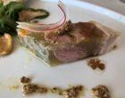 Le jambon de Reims, girolles au vinaigre, salade de mâche © GP