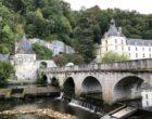 Vue sur le vieux pont et l'abbaye © GP