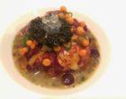 Homard au beurre salé, lentilles au champagne, royale d'oignons doux et caviar oscietre © GP