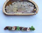 Pâte en croûte de gibier au foie gras, chutney aux figues et aux épices ©GP