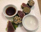 Maki de thon au sésame et algues nori, salade de wakamé © GP