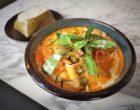 Curry jaune de cabillaud, épicé et basilic ©AA