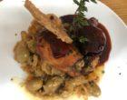 Poulet yassa, oignons confits, citron vert et olives ©GP