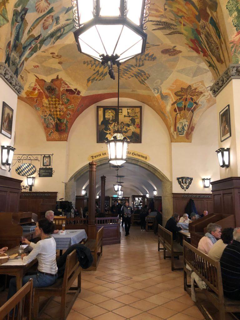 Hofbräuhau, bar Munich - un tour à la Hofbräu | Le blog de Gilles ...