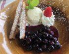 Myrtilles poêlées, glace vanille © GP