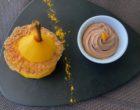 Poire pochée aux épices et crémeux au chocolat  © GP