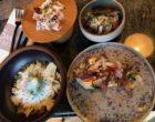 Poulpe en carpaccio, sardine avec chou et sésame, œuf, épinards et parmesan, anchois et artichauts ©GP
