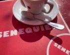Saint-Tropez : un café chez Sénéquier