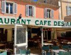 Saint-Tropez : un verre et plus au Café des Arts